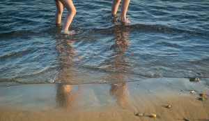 loslaten tijdens strandwandeling